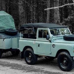 Land rover series 3 1982 роки з причепом для кемпінгу